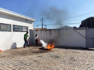 SAC participa de treinamento prático de prevenção de incêndios