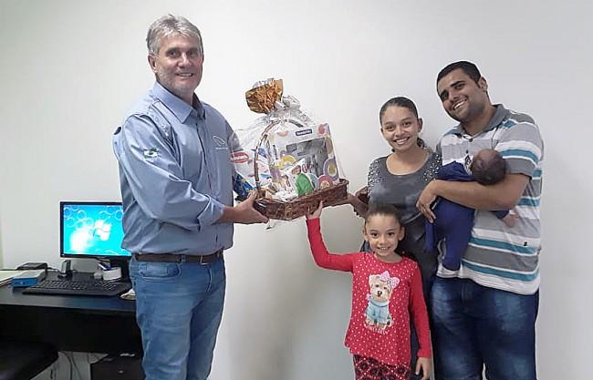 Danillo, juntamente com sua esposa Vanessa e sua filha Ana Beatriz